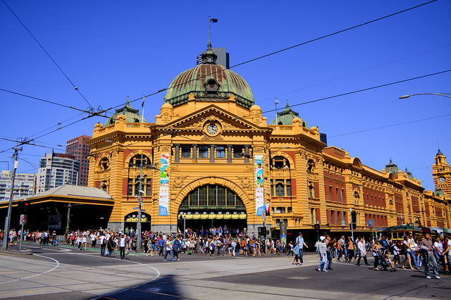 FEDERATION SQUARE & FLINDERS ST STATION.jpg