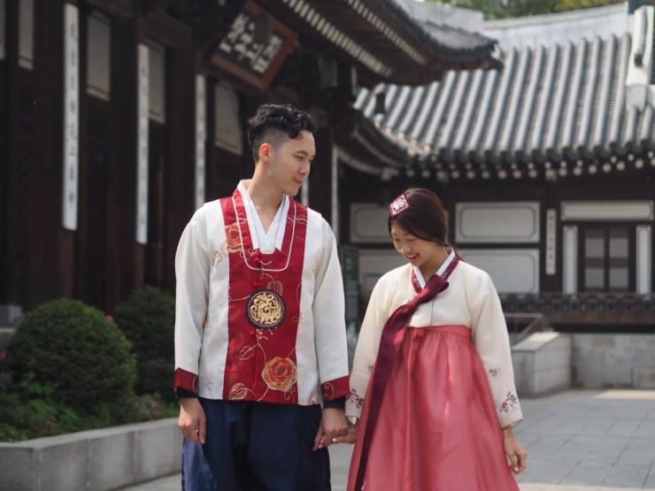 Hanbok wearing.jpg