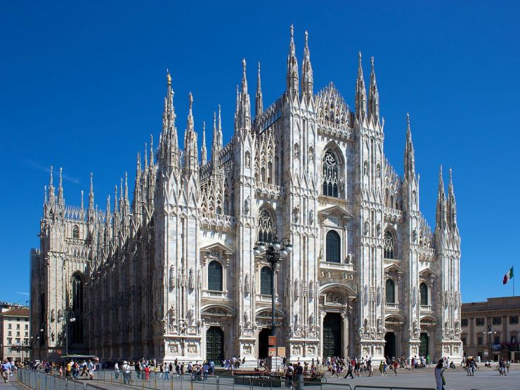 1200px-milan_cathedral_from_piazza_del_duomo