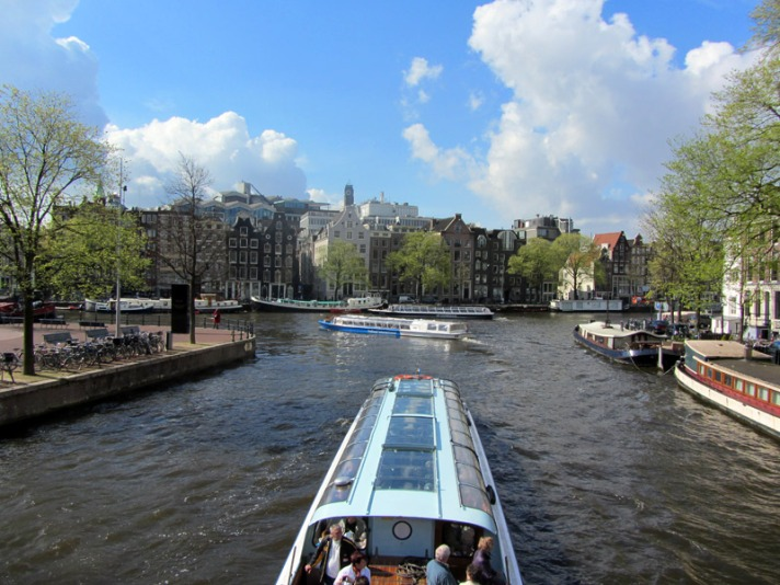 amstel-river-boats-amsterdam