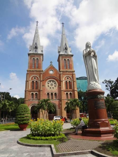 Vietnam-Saigon-Notre-Dame-Basilica